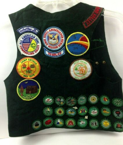 Vtg Girl Scout Cadet's Vest w/Merit Badges/Patches Wool/Rayon Green 1970's
