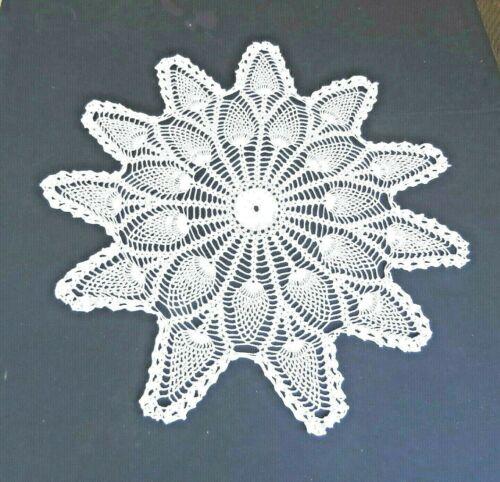 """Vintage White Cotton Crochet Lace Doily 28"""" Pineapple Design"""