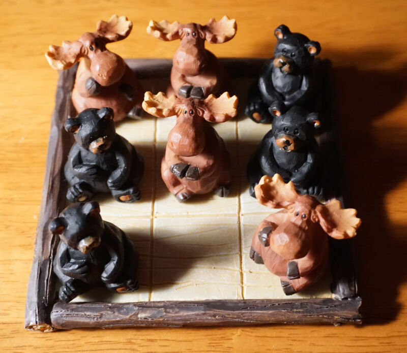 BLACK BEAR & MOOSE TIC TAC TOE SET FIGURINES Lodge Log Cabin Home Decor Rustic