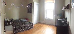 Room sublet $500 Near Dal & SMU available May1st