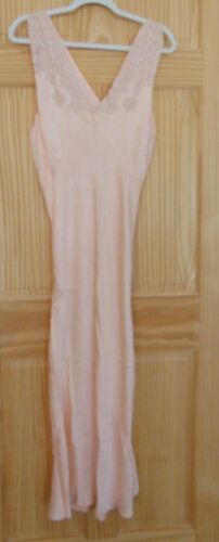 VINTAGE Peach SATIN CORDE Fancy Nightgown Negligee 1940