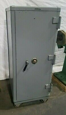 Mosler Safe Circa 1940s Working Antique Gun Or Property Safe