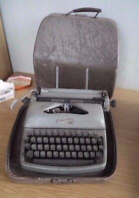 Reiseschreibmaschine