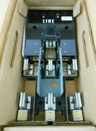 NIB CUTLER HAMMER DS464R DISCONNECT SWITCH 200A 200 AMP 3P 3 POLE 600VAC 250VDC