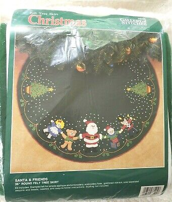 "Vtg Bucilla Felt Tree Skirt Kit Santa and Friends 36"" Round 1990 Christmas 33105"