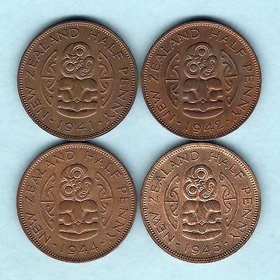 New Zealand. Halfpennies : 1941(gEF), 1942(EF/gEF),1944(gEF/aU), 1945(aU/Unc)