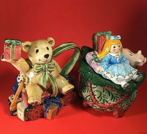 FITZ AND FLOYD OLD FASHIONED CHRISTMAS CREAMER AND SUGAR SET BEAR BAG OF TOYS