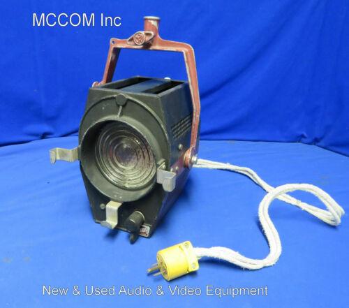 Mole-Richardson Type 2831 Molequartz Baby-Baby 1000 Watt Solarspot