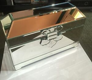 Mirrored Jewellery Box Cessnock Cessnock Area Preview
