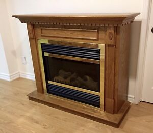 Oak Fireplace in Perfect Condition $100