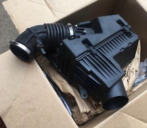 AIR INTAKE - 2009 Nissan Altima 2.5S Sedan OEM