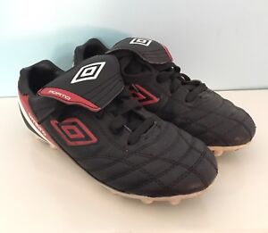 Umbro Soccer Cleats - Youth 1