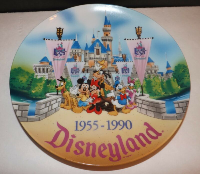 Disneyland 35 Years Of Magic The Gangs All Here Mickey Mouse Park Souvenir Plate
