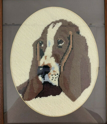 Vintage NEEDLEPOINT Embroidery BASSET HOUND Portrait Dog 13x11 Wood Framed Glass