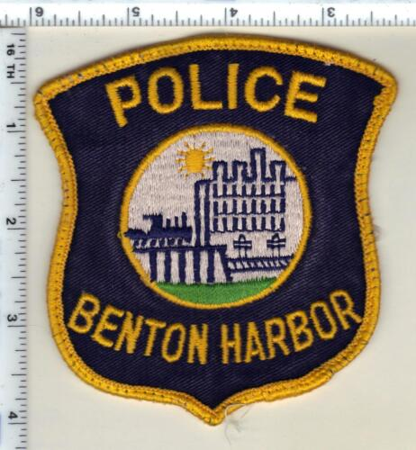 Benton Harbor Police (Michigan) Uniform Take-Off Shoulder Patch from 1992