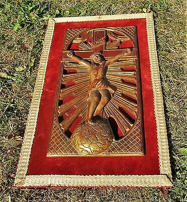 Antique Wall Hanging 18th Century Jesus Christ Crucifix Wood On Velvet Gorgeous