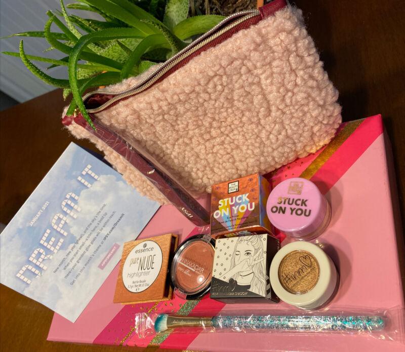 Stuck On You Eye Primer , Dream Shadow, Highlighter,  Blush & Brush & Ipsy Bag