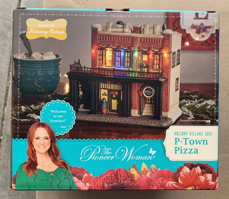 The Pioneer Woman P Town Pizza Christmas Holiday Time Village Ree Drummond