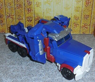 Transformers Prime Platinum Edition ULTRA MAGNUS Leader