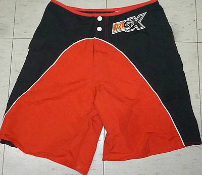 f4055b3d585c3 Vintage retro 90's black/red Mossimo Extreme skateboard surf board short  size 30