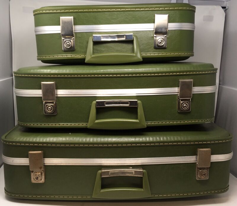 Vintage Green Suitcases Stackable 3 Piece Matching Set