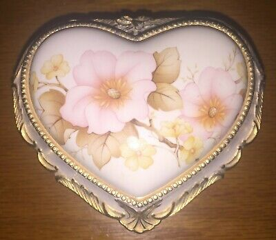 Vintage Heart Jewelry Music Box Made in Japan Excellent Condition, plays Memory