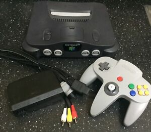 ORIGINAL N64 tight joystick + clean console!