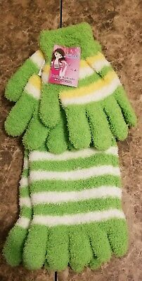 Girl's Wuzhi Socks and Gloves Set Green White Yellow](Green And Yellow Gloves)