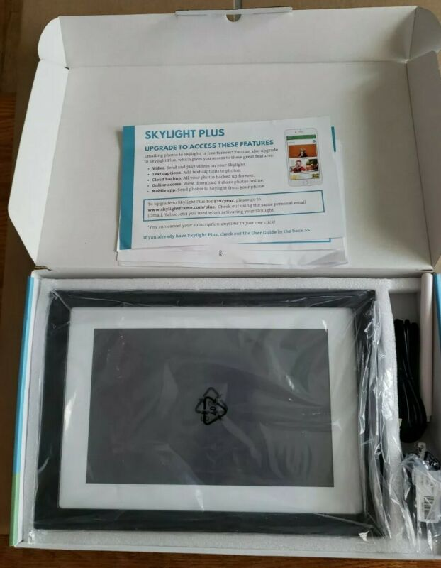 Skylight Frame 10 inch WiFi Digital Picture Frame unused still w protective film
