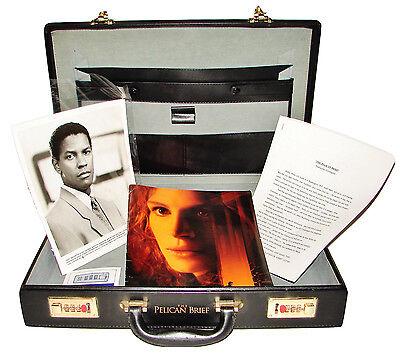 1993 THE PELICAN BRIEF Movie Press Kit Briefcase 12 8x10 Photos Production Notes