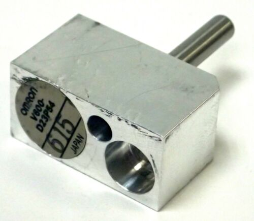 Omron V600-d23p54 Electromagnetic Coupling 256 Byte Rf-id Tag Parts / Repair