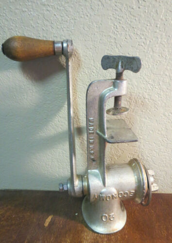 Vintage Economy #20 Hand Crank Meat Grinder/Food Chopper Tabletop Made in USA