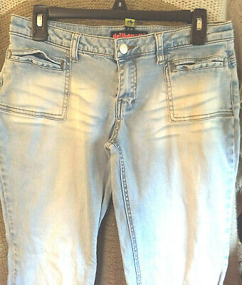 DOLLHOUSE Blue Jeans and Rock & Roll Sz 7/8 Distressed Faded Lt. Wash Split Cuff Dollhouse Womens Rock
