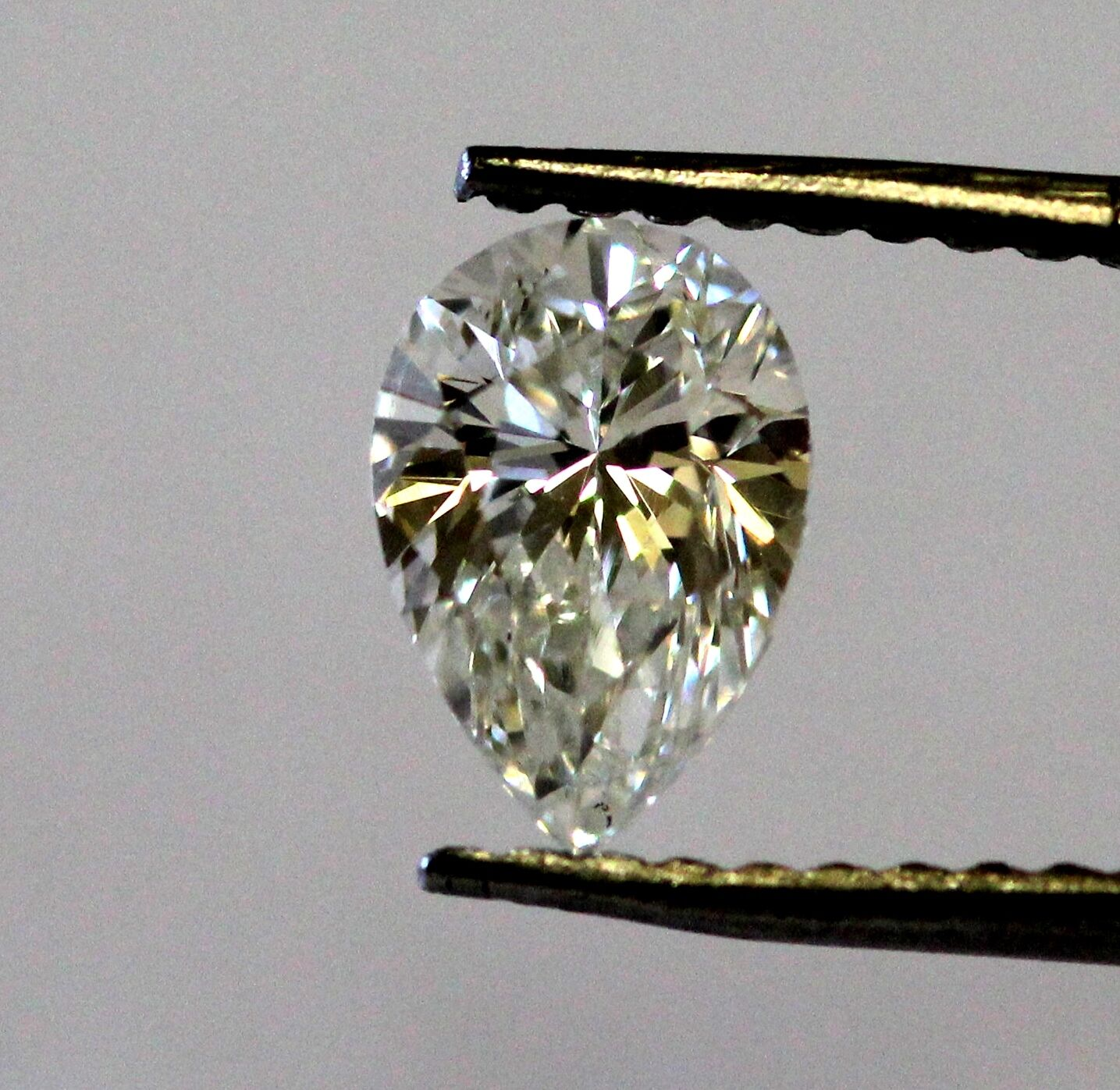 .70ct pear cut loose diamond GIA Certified SI1 J 6.73 X 4.61 X 3.31 MM vintage