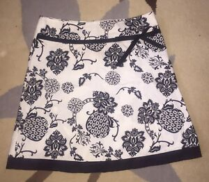 Skirt black and white floral