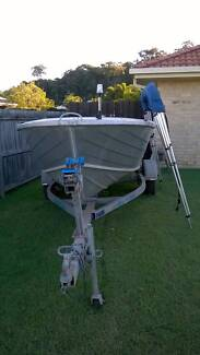 3.95M Sea Sprite fishing boat with many accessories included Kuluin Maroochydore Area Preview
