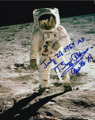 Buzz Aldrin SIGNED 8X10 PHOTO AUTOGRAPH REPRINT
