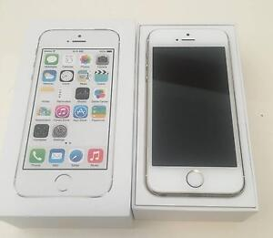 White & gold iPhone 5s 16gb unlocked with box, headphones + cases Chisholm Tuggeranong Preview