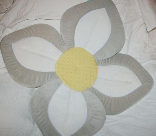 Blooming Baby Infant Bathing Flower Mat Gender Neutral *No Packaging* Has Spots*