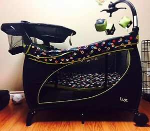 Lux Playpen/change Station and Bassinet