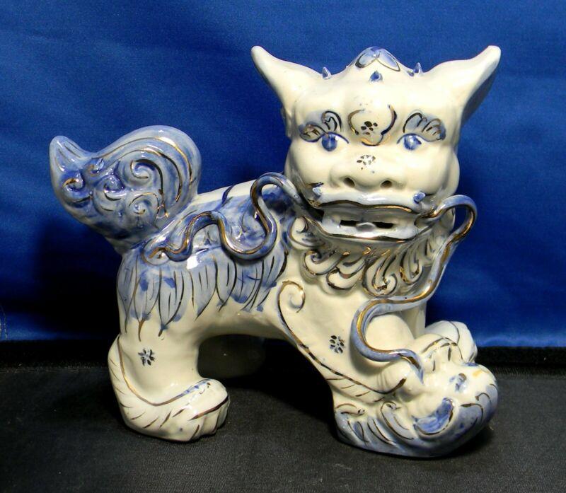 Vintage Porcelain Ceramic Foo Dog Blue & White With Gold Trim