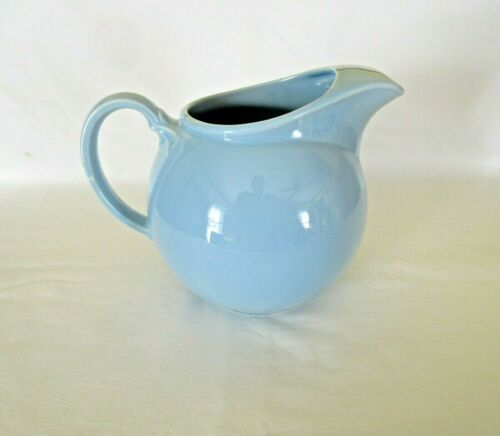 Vintage LURAY Pastels Blue 76 Oz  Ice Lip Flat Jug Pitcher