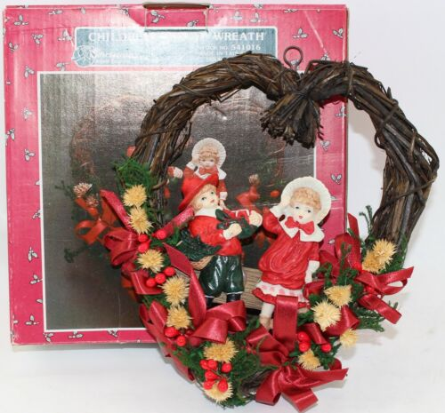 Christmas Around The World Childrens Heart Wreath 1990 House Of Lloyd With Box