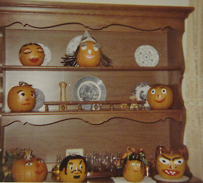 VINTAGE AMERICAN MID MOD ANGRY HAPPY PAINTED PUMPKINS CHARGERS HALLOWEEN - Happy Halloween Photos Pumpkins