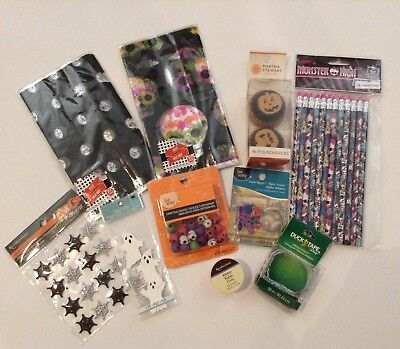 HALLOWEEN FUN PARTY & CRAFT KIT, NEW, Lot of 10 Items, Ghosts, Pumpkins, & More!