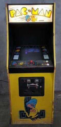 PAC-MAN arcade game upright 80