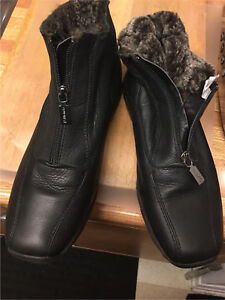 """"""" 2"""". PAIR BOOTS ALL LEATHER HIGH QUALITY !!"""