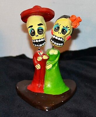 Halloween In Mexico Day Of The Dead (Day of the Dead Couple Figurine In Formal Dress Hand Painted Clay Halloween)