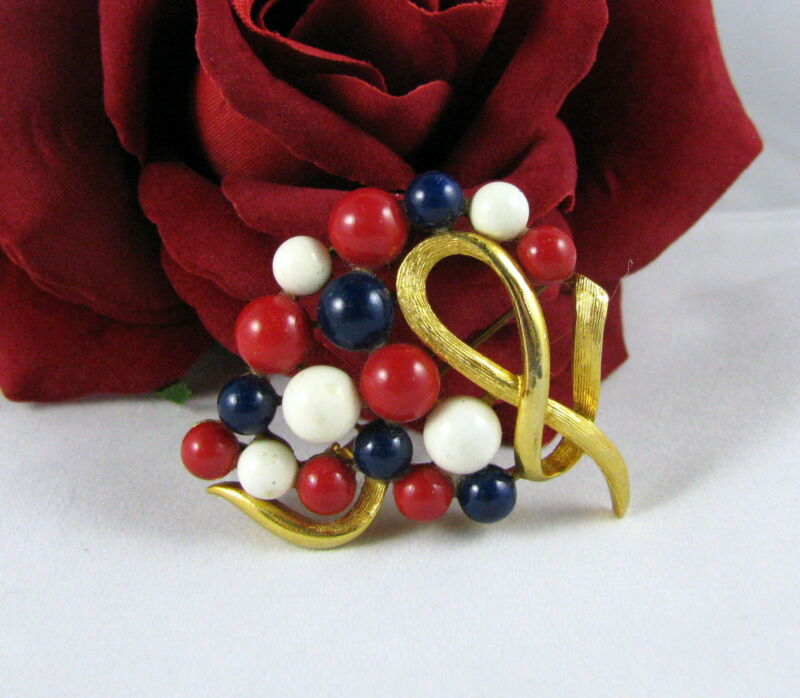Vintage Beaded USA Patriotric Red White Blue   Pin Brooch CAT CHARITY