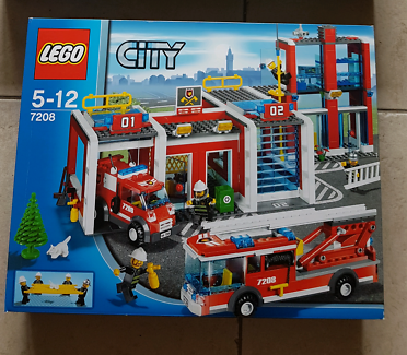 Lego City Fire Station Truck Van 7208 Complete With Manuals Toys